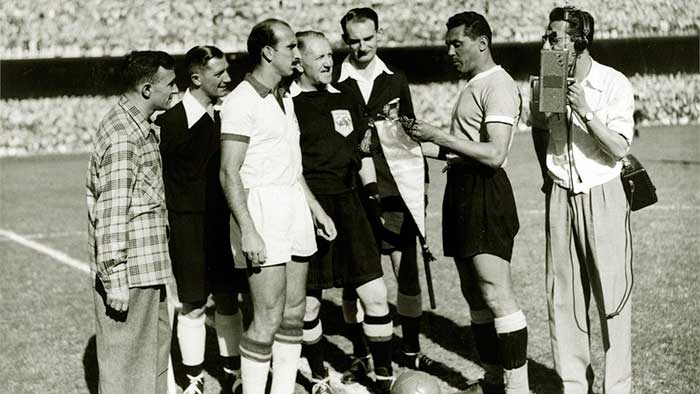 16.07.1950. Maracana Stadium. Rio de Janeiro. Brazil – Uruguay 1:2. Team captains August (left) of Brazil and Uruguays Obdulio Varela