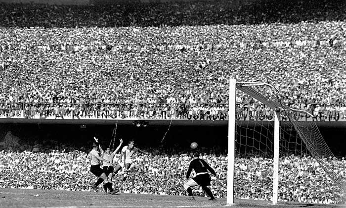 16.07.1950. Brazil – Uruguay 1:2. Uruguayan goalkeeper Maspoli watches the ball pass wide of his goal