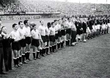 30.06.1954 Венгрия - Уругвай 4:2. Hungary and Uruguay national teams