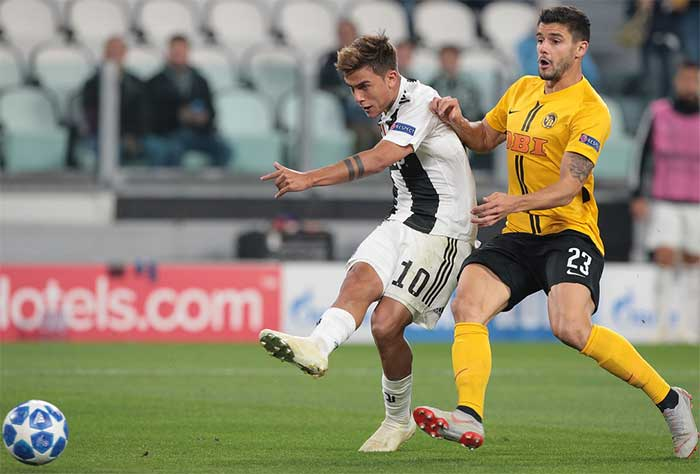 02.10.2018. Juventus FC - BSC Young Boys 3:0. Paulo Dybala (L) of Juventus FC